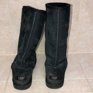 Black tall Uggs size 8🖤